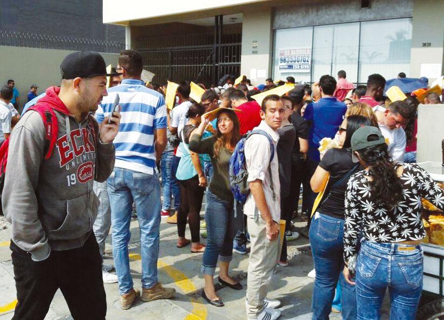 Venezolanos para lograr permiso