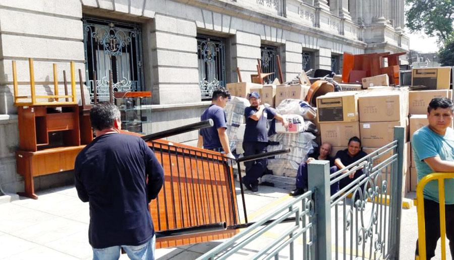 Abogados son desalojados del Palacio de Justicia