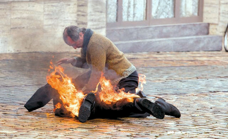 Persona en llamas