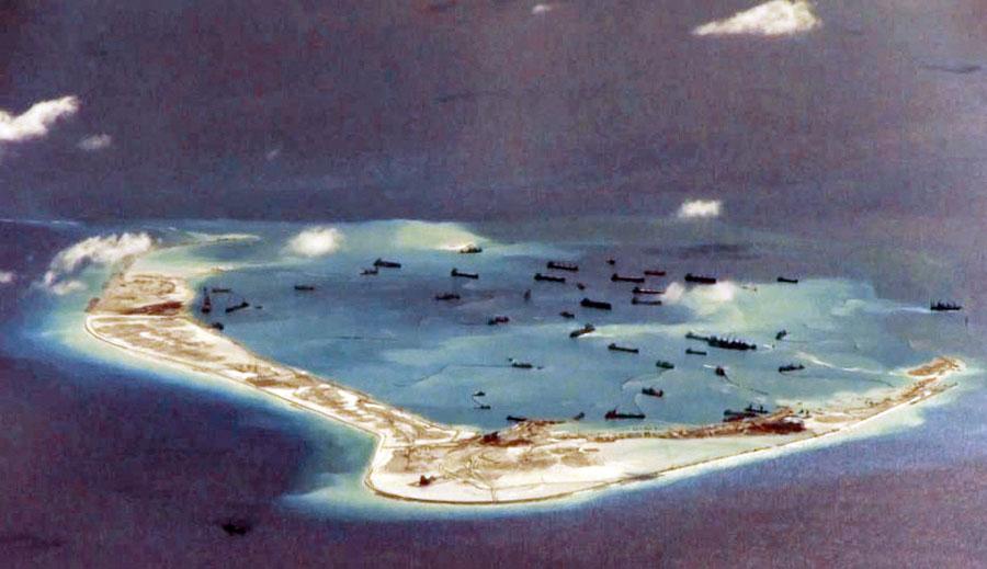 China amenaza e instala misiles en tres islas