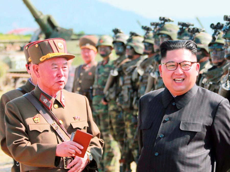 EE.UU. pide a Kim entregar arsenal atómico