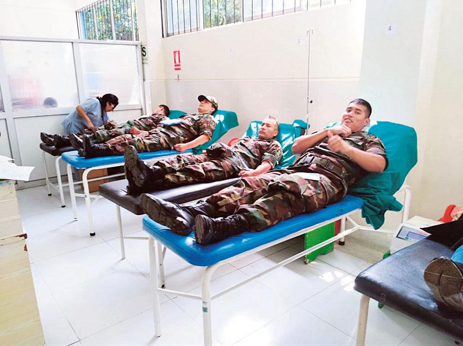 Policias donaron sangre a Eyvi