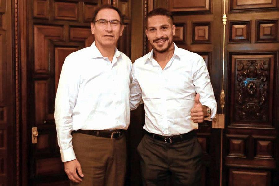 Presidente del República, Martín Vizcarra y el 'capitán' de la Selección Peruana, Paolo Guerrero