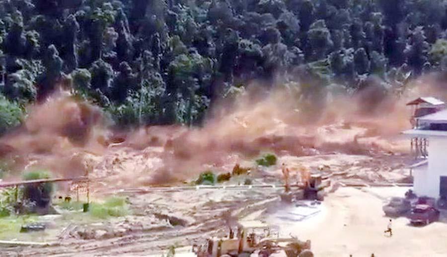Derrumbe de represa causa varios muertos
