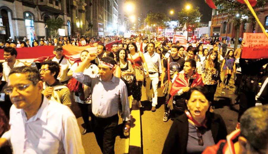 Marchan en contra de la corrupción