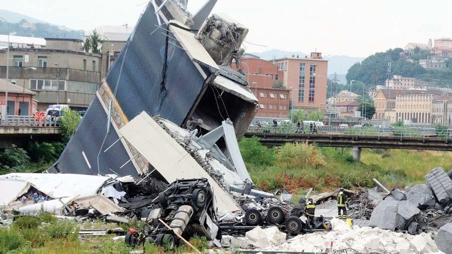 Puente se desploma en Italia