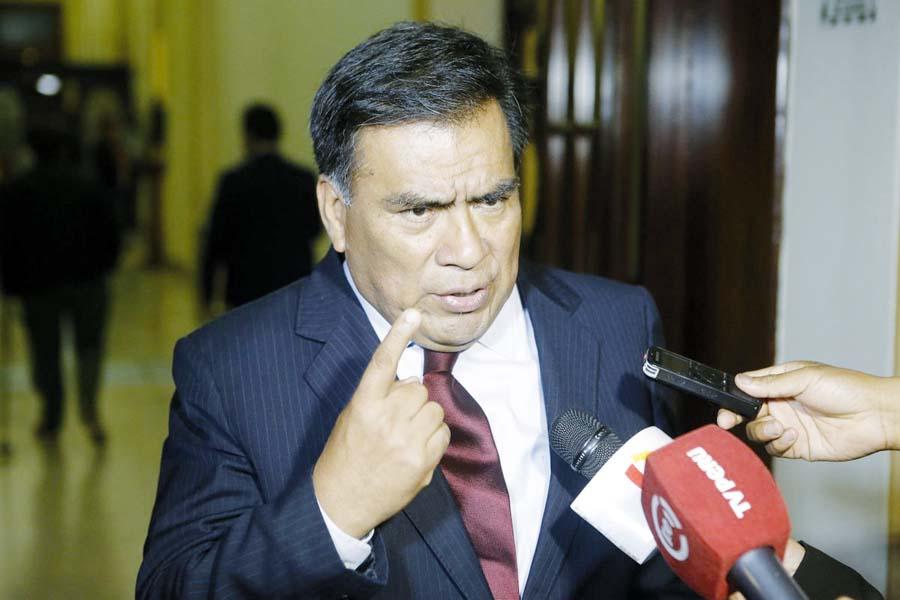 Javier Velásquez Quesquén