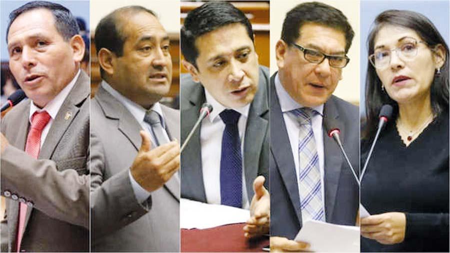 Presidente Vizcarra se reunió con cinco congresistas fujimoristas a espaldas de Keiko