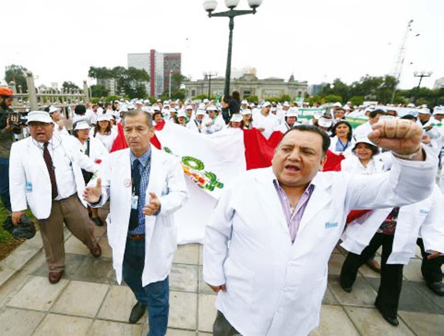 médicos del Ministerio de Salud