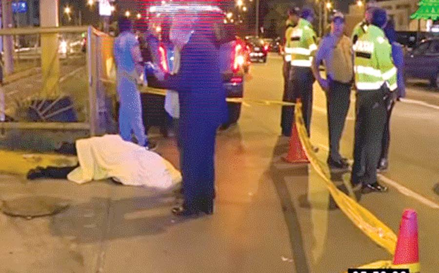 Motociclista muere tras chocar con auto