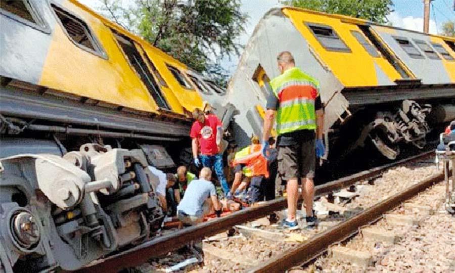 Choque de trenes deja 3 muertos y 600 heridos