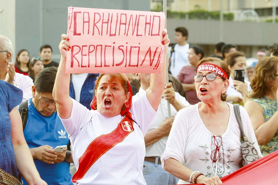 Movilización nacional Carhuancho reposicion