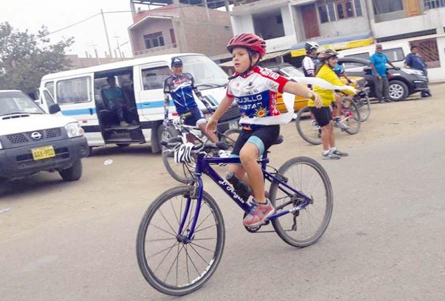 Niño campeón de ciclismo muere atropellado