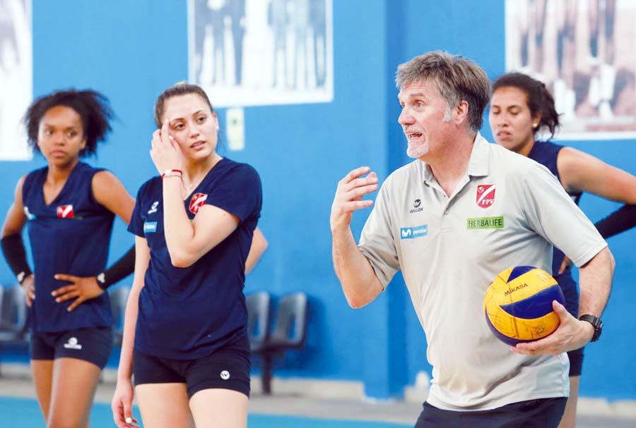 Paco Hervás, entrenador de la Selección Peruana de Vóley