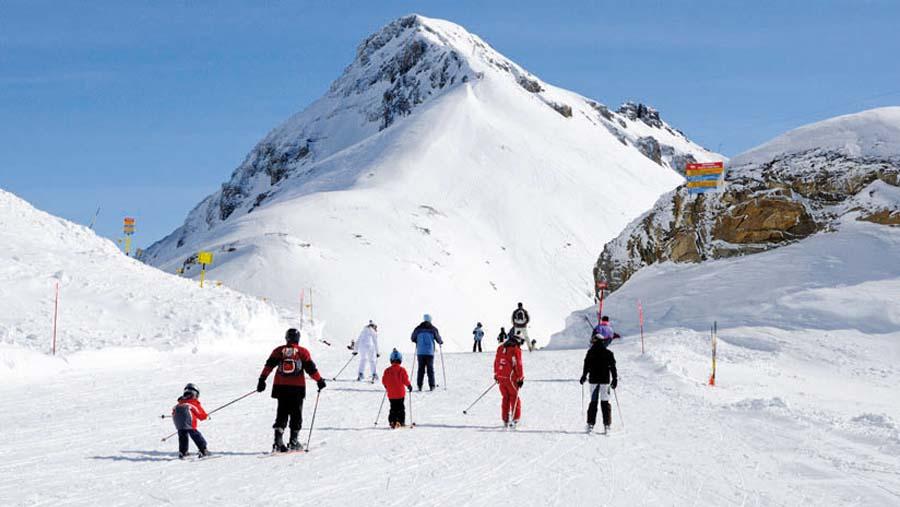 Avalancha de nieve sepulta a varias personas en Suiza