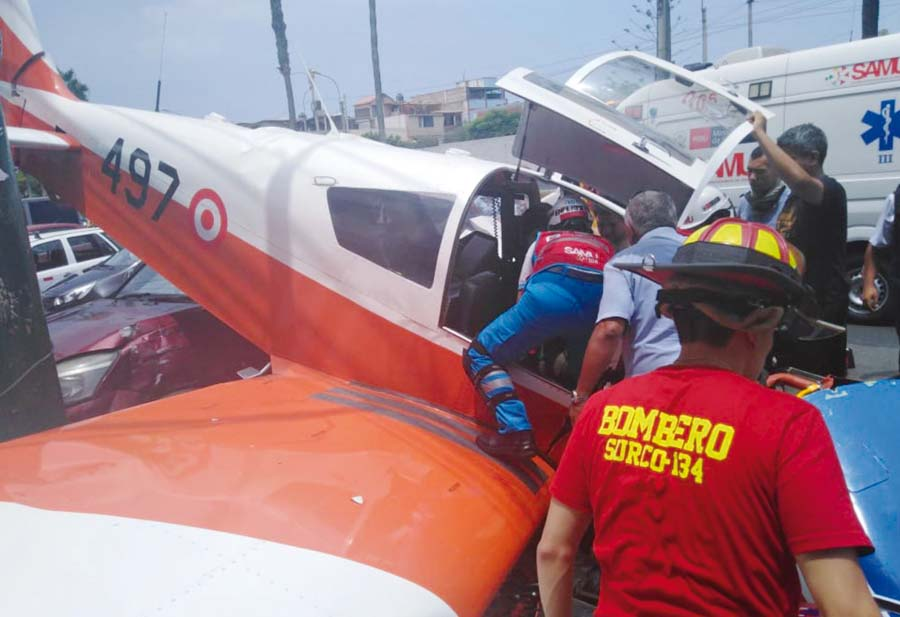 Avioneta FAP de instrucción cae en Surco