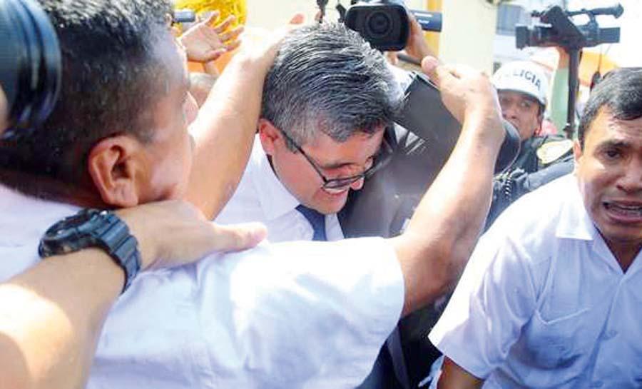 José Domingo Pérez fue agredido por simpatizantes de Keiko Fujimori