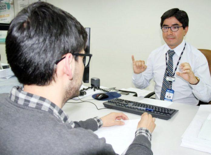 SAT implementa servicio para personas con discapacidad auditiva