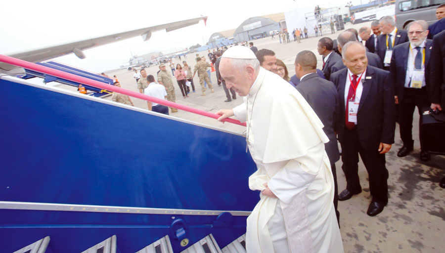 Papa Francisco partiendo a Roma