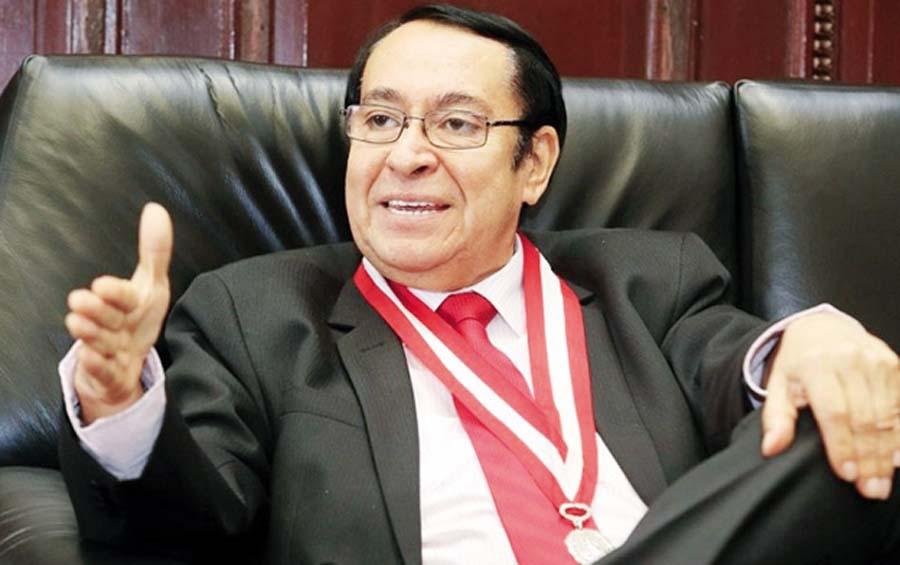 Víctor Prado Saldarriaga