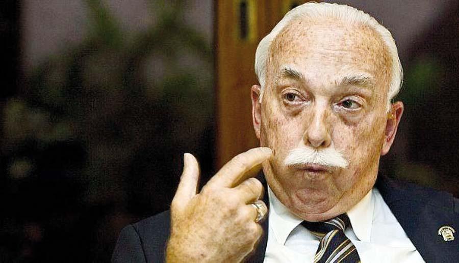 Congresista fujimorista, Carlos Tubino