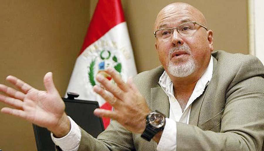 Congresista Carlos Bruce
