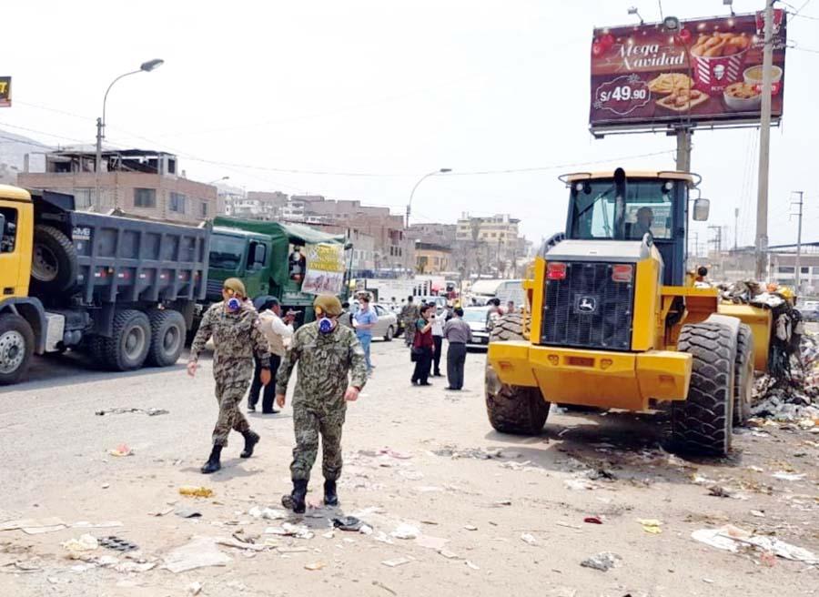 Ejército recoge basura en VMT
