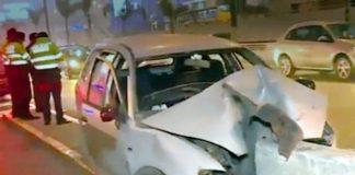 Sujeto muere tras chocar su auto contra un muro