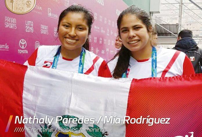 Nathaly Paredes y Mía Rodríguez
