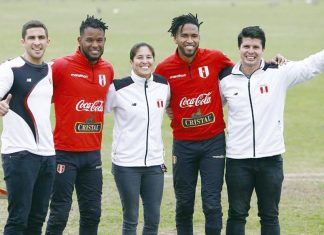 Videna cuando los medallistas peruanos de los Juegos Panamericanos llegaron al entrenamiento de la selección peruana