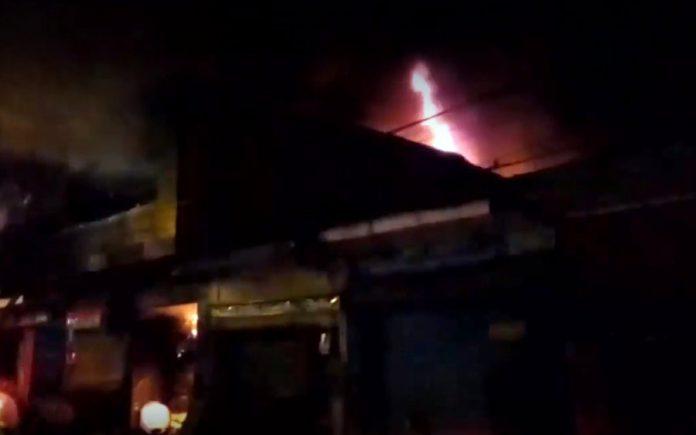 Mamita y tres hijos mueren en incendio