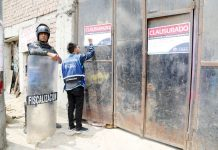 Clausuran locales donde se comercializaba materiales de reciclaje