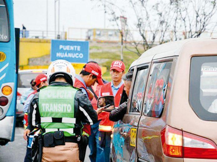 Vehículos informales fueron detenidos durante operativo