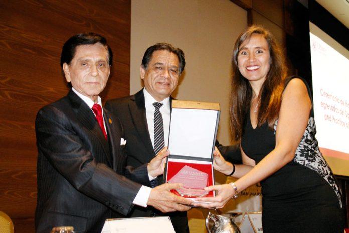 Decano de la Facultad de Medicina Humana de la USMP, el Dr. Frank Lizaraso Caparó