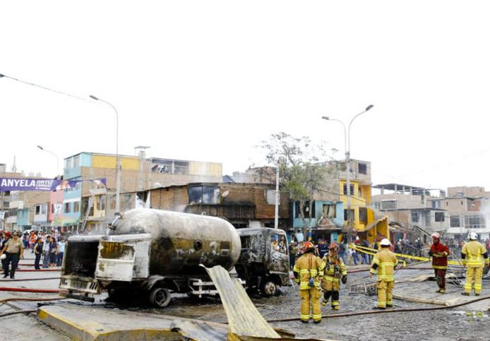 Accidente en Villa El Salvador, por explosión de camión cisterna