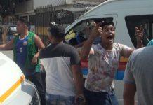 Mototaxistas rompen cabeza a policía tras enfrentamiento en Surco