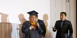 Abuelito de 89 años, Alejo Hermógenes Ruiz Rubio se gradúa como técnico electrónico