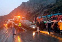 Colisión entre un auto con vehículo semiremolque, carretera central