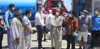 Alcalde Muñoz entregó víveres y agua a familias de Cantagallo