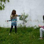 España: Niños saldrían una hora a la calle