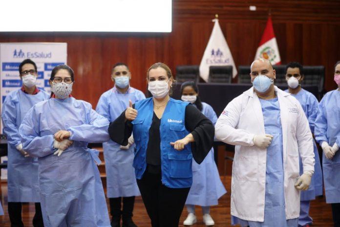 Médicos extranjeros se sumaron a equipo de lucha contra COVID-19