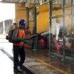 Fumigación en el gran mercado mayorista de Lima