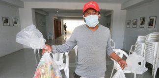 Recicladores de SJM reciben canastas de víveres