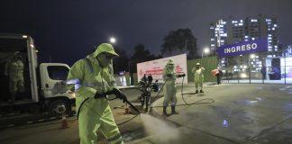 Desinfectan exteriores de la Villa Panamericana