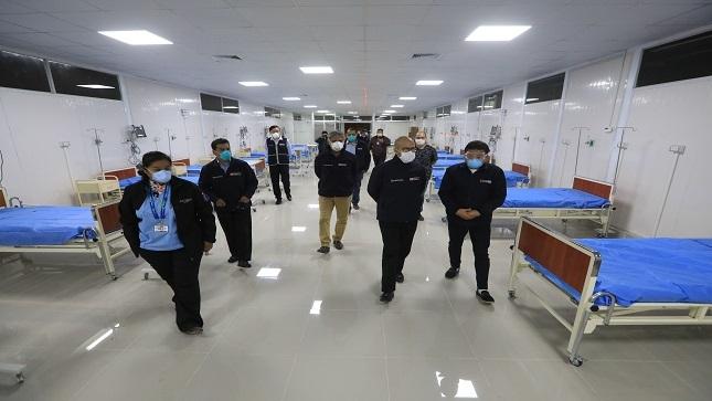 Ministro Zamora constata ampliación de camas en Hospital Sergio Bernales