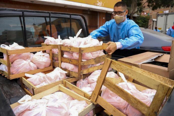 19 toneladas de fruta para familias vulnerables de 11 distritos