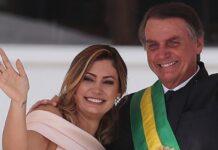 Jair Bolsonaro con su esposa