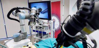 Sistema robótico que permitirá asistir a médicos en operaciones quirúrgicas.
