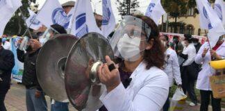 Médicos del Perú realizaron primer día de huelga