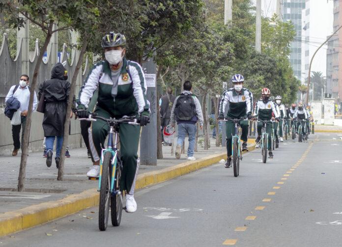 Policía Femenina de Tránsito Sur 1.